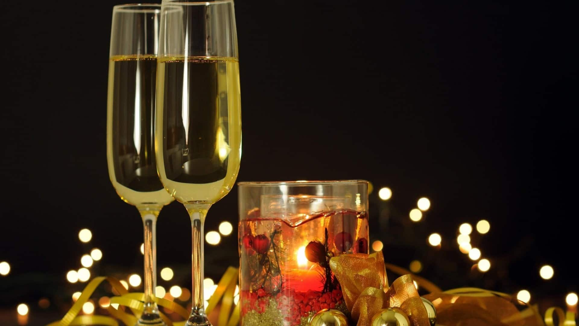 christmas_new_year_balloons_glasses_champagne_candle_35719_1920x1080