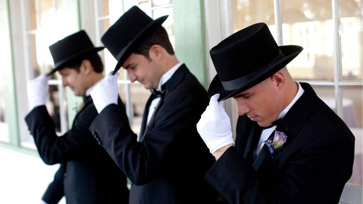 austin-texas-wedding-groomsmen-gentleman-in-black-tux-hat-white-gloves_original