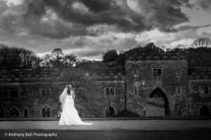 Clearwell_Castle_Kiss