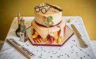 A Harry Potter themed wedding cake