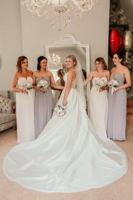 Photoshot of bride with her friends